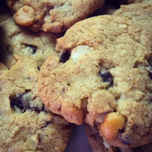 Cookies fondants au chocolat noir et noix de macadamia