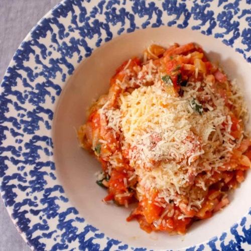 Spaghetti sauce amatriciana